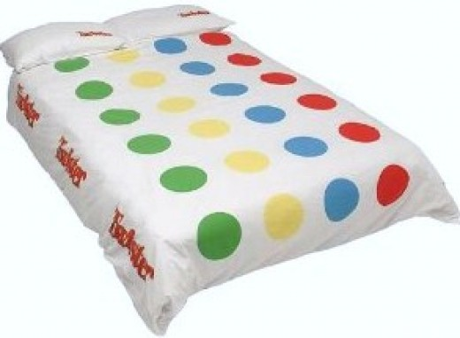 Have fun with a Twister duvet cover