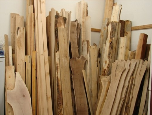 Many items, like cast off wood, or recycled wood has a lot of use value. This is only one resource among many that are simply thrown out that can be a tremendous free resource for the alert. Something like this can have a lot of uses.