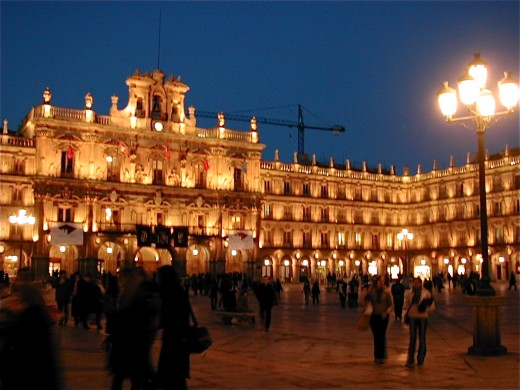 la plaza mayor at night