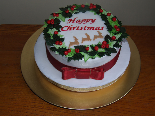 Learn to make a wreath cake in my online cooking school!