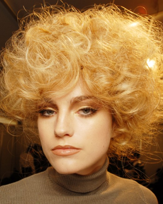 short curly retro haircuts for women
