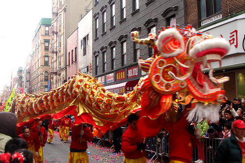 www.greentortoise.com - New Year Dragon Dance in Chinese community