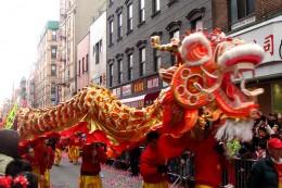 www.greentortoise.com - New Year Dragon Dance in Chinese community