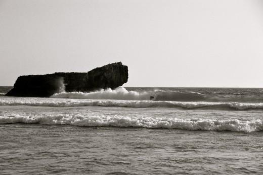 surfing Praia de Baleeira