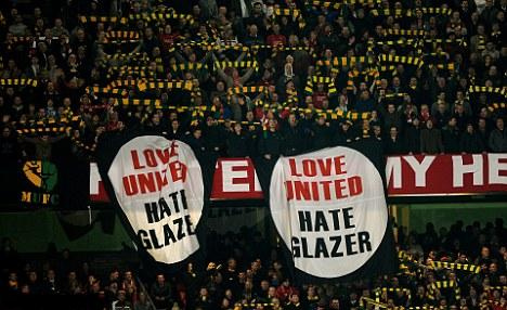 Green and gold anti glazer protests at Man United games.