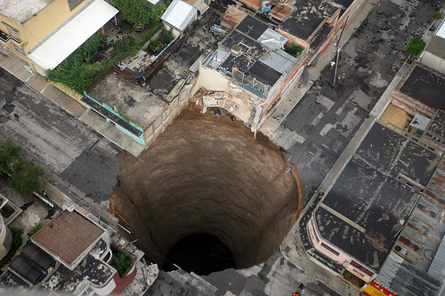 Picture of the sinkhole that  opened up in Guatemala City. Source: Guatemala Govt