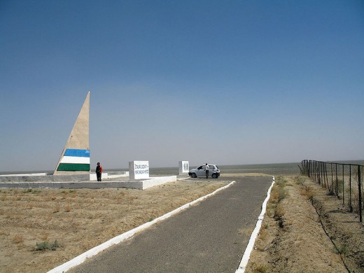 Where the shore used to be, Moynaq. Image courtesy Wikimedia Commons, ChanOJ, photographer