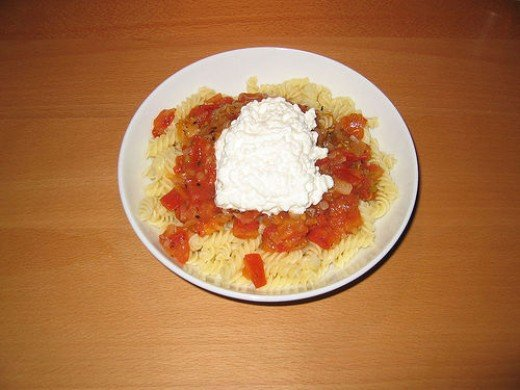 Cottage Cheese on Tomato and Pasta (Photo courtesy by greckor from Flickr.com)