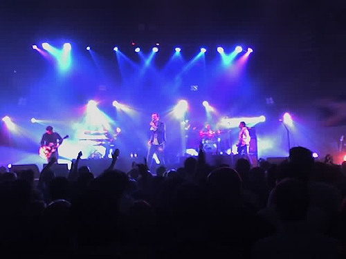 The famous Simple Minds in concert (Photo by bbp @ Flickr Creative Commons)