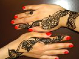 Image 1: Black Henna Design on Hands