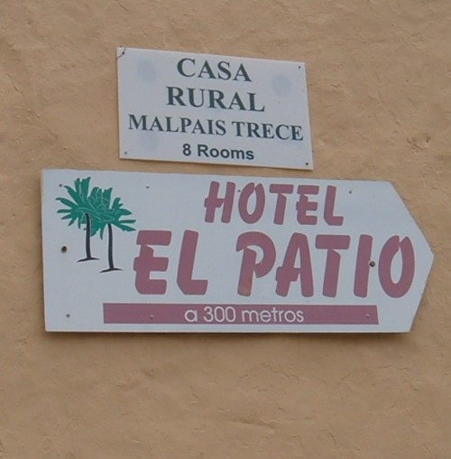 Hotel El Patio sign