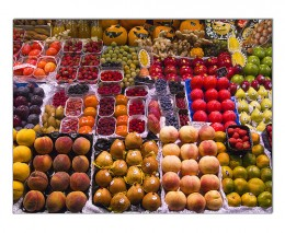 Loads of fresh fruit in season! photo: Paco CT @flickr