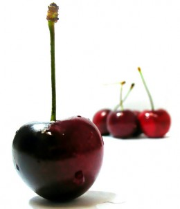 Cherries photo: Darwin Bell @flickr