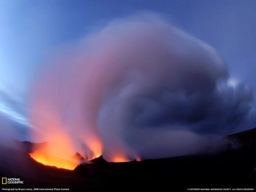 Puu Oo Vent on Mount Kilauea