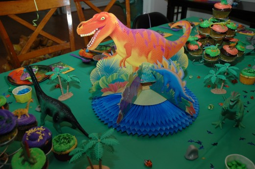 I found this great dino centerpiece at the local party store!