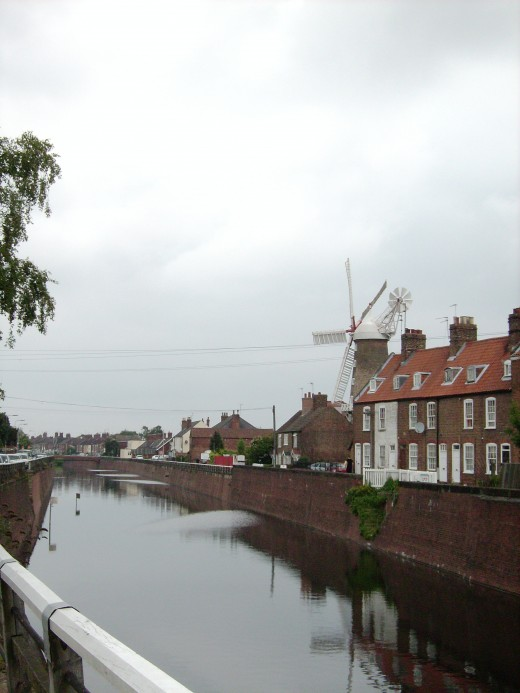 The Maud Foster drain and windmill