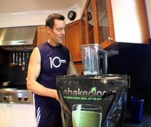 Tony Horton making Shakeology