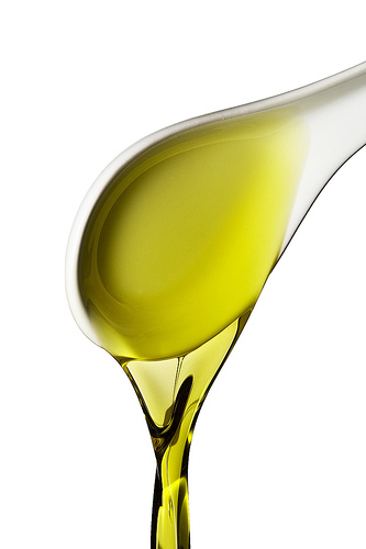 Olive oil is healthy photo: 96dpi