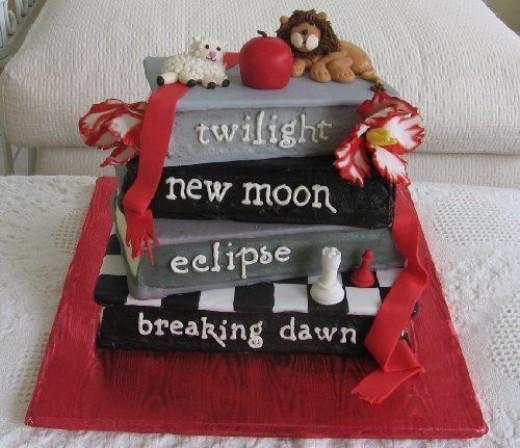 Source:   http://images2.fanpop.com/images/photos/7200000/twilight-cakes-twilight-series-7203447-500-431.jpg