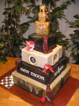 Source:  http://thevegasweddingplanner.com/2009/12/06/saturday-fun-twilight-style/