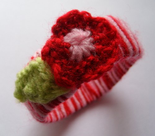 Knitted Flower Bracelet