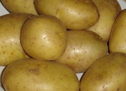 Potatoes have gotten a bad rap over the years. But potatoes are filling, moderate in calories, and high in certain nutrients like potassium and vitamin C.