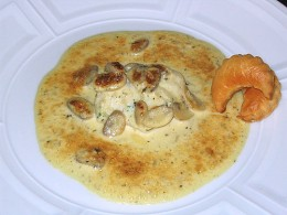 Seafood dish with fish veloute sauce photo: panduh