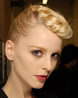 Retro hairstyles for women with short hair