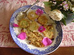 'Acacia' blossom and Elder flower fritters