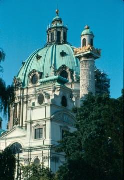 A baroque masterpiece: Karlskirche.