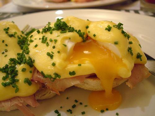 Delicous Eggs Benedict photo: su-lin @flickr