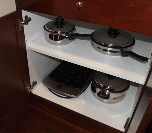 Available pots and pans.