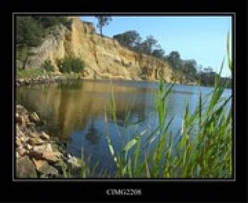 River cliff near Lakes Entrance
