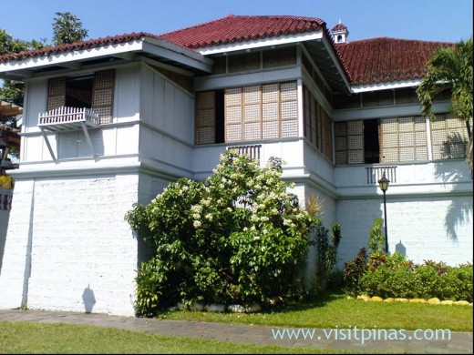 THE ANCESTRAL HOME OF JOSE RIZAL in CALAMBA, LAGUNA (Photo courtesy of http://visitpinas.com/)
