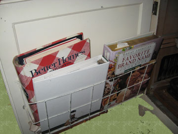 Rack for recipe books