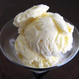 Vanilla flavored homemade ice cream