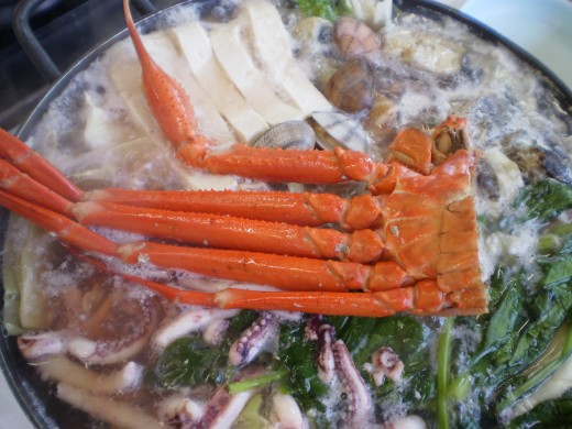 The Seafood Steamboat we had included crab, squid, clams and fish.