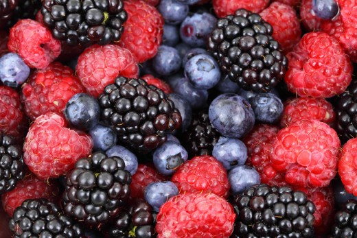 Juicing berries is fast and easy.