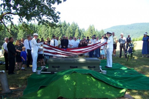 Us Navy presentation of the Flag