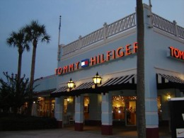 This Tommy Hilfiger outlet is an oasis for deal seakers