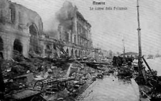 A destroyed building in Messina, after the earthquake.