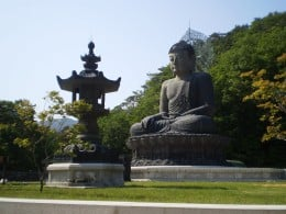 """Tongil Daebul"" a sitting Buddha at the Shinheungsa Temple at Mount Sorak."