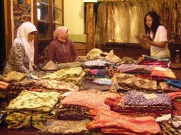 Batik dealer