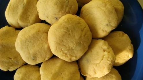 Lemon zest and lavender drop cookies / Photo by E. A. Wright