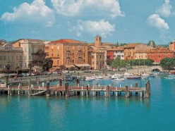 A Rough Guide to Lake Garda in Italy : Things to do in Desenzano