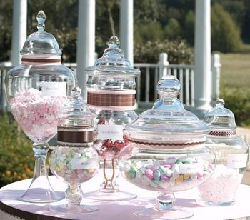 Today's candy buffets are descended from the original favors, such as a cube of sugar.