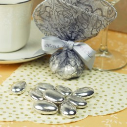 Today's Jordan Almonds can be ordered in any wedding color, including elegant metallics like silver and gold.