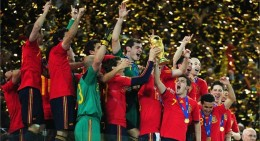 The Spanish team in the state of jubilation and global fame. Photo from FIFA.com