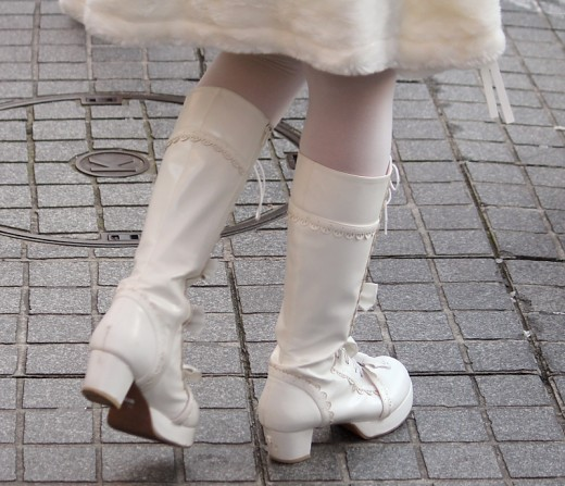 White boots are a great addition to a white themed gothic lolita outfit. The best gothic style boots have plenty of laces. Again, the platform boot is very popular in Japan - you can never be too tall!
