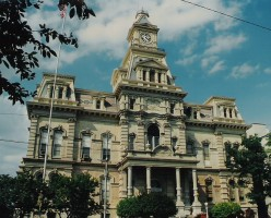 Muskingum County Courthouse, Zanesville, Ohio of Italianate design, c. 1877.